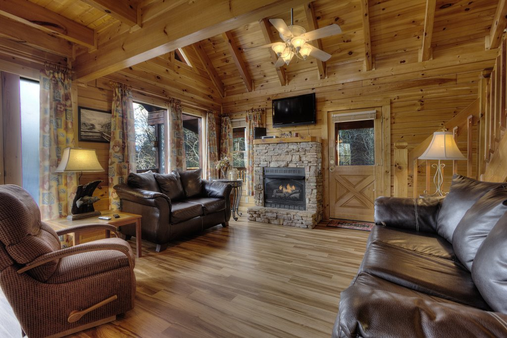 Photo of a Pigeon Forge Cabin named Blackberry Lodge #402 - This is the fourth photo in the set.