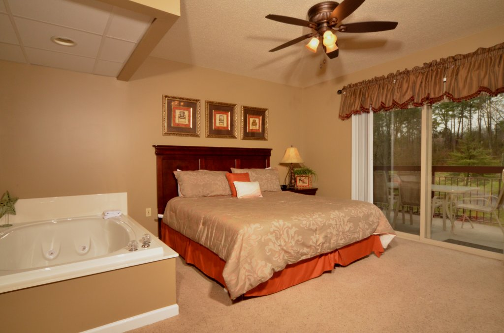 Photo of a Pigeon Forge Condo named Cedar Lodge 101 - This is the thirty-fourth photo in the set.