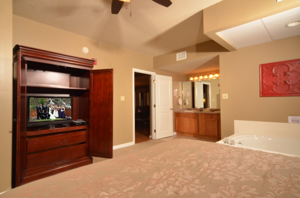Photo of a Pigeon Forge Condo named Cedar Lodge 101 - This is the thirty-fifth photo in the set.