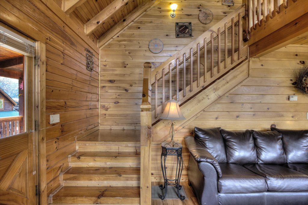 Photo of a Pigeon Forge Cabin named Blackberry Lodge #402 - This is the twenty-third photo in the set.