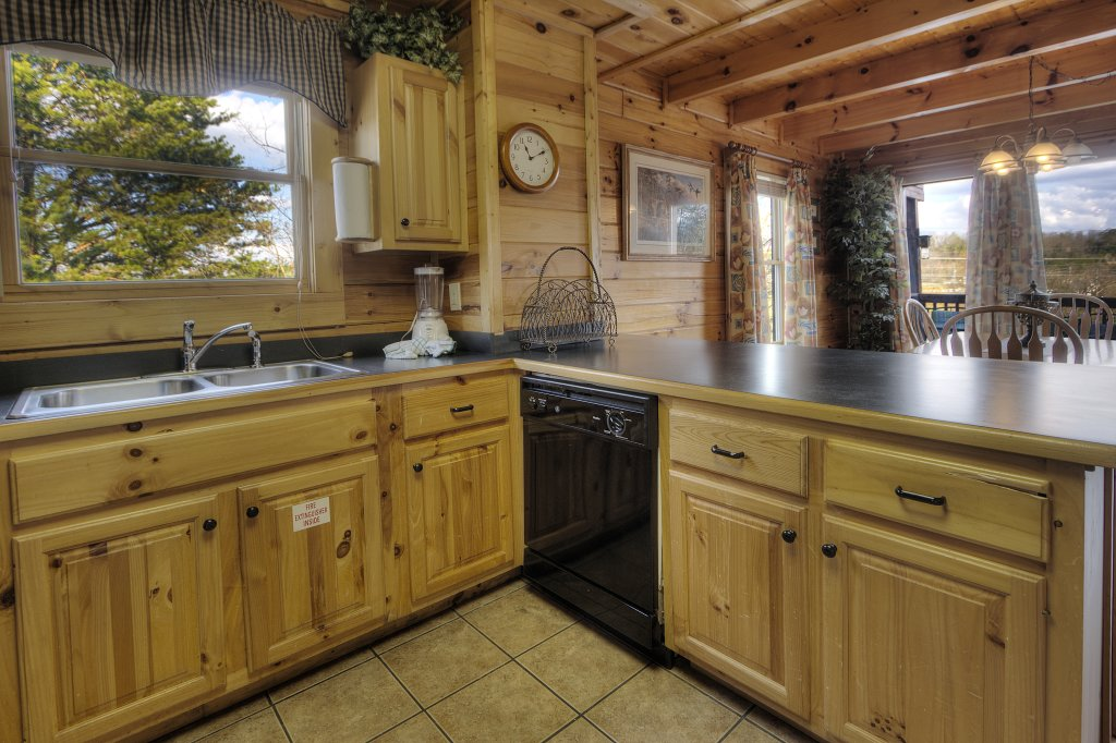 Photo of a Pigeon Forge Cabin named Blackberry Lodge #402 - This is the twenty-fourth photo in the set.