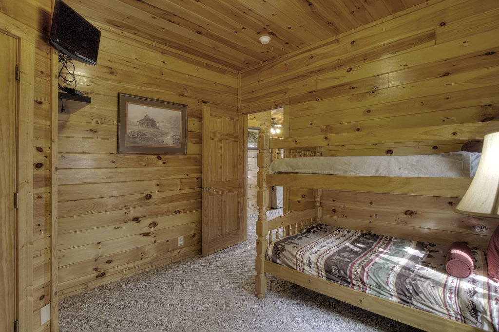 Photo of a Pigeon Forge Cabin named Blackberry Lodge #402 - This is the twenty-eighth photo in the set.