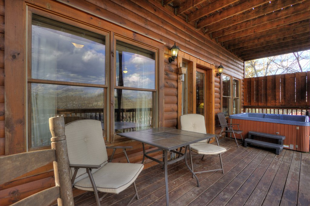 Photo of a Pigeon Forge Cabin named Blackberry Lodge #402 - This is the forty-first photo in the set.