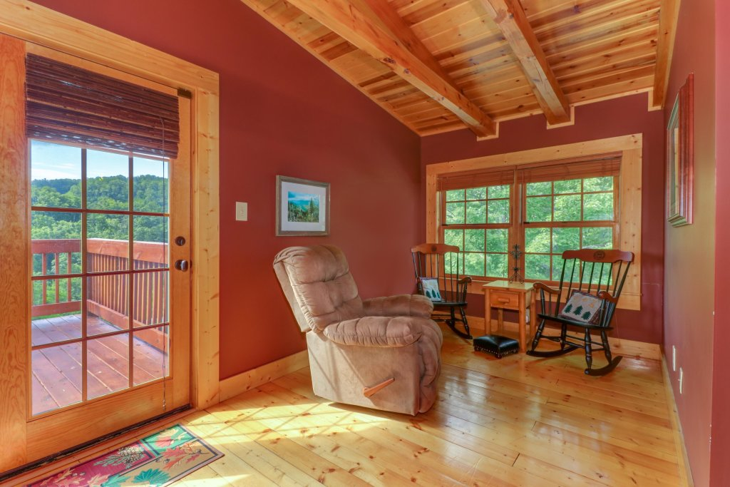 Photo of a Sevierville Cabin named  Mountain Top Mansion - This is the first photo in the set.
