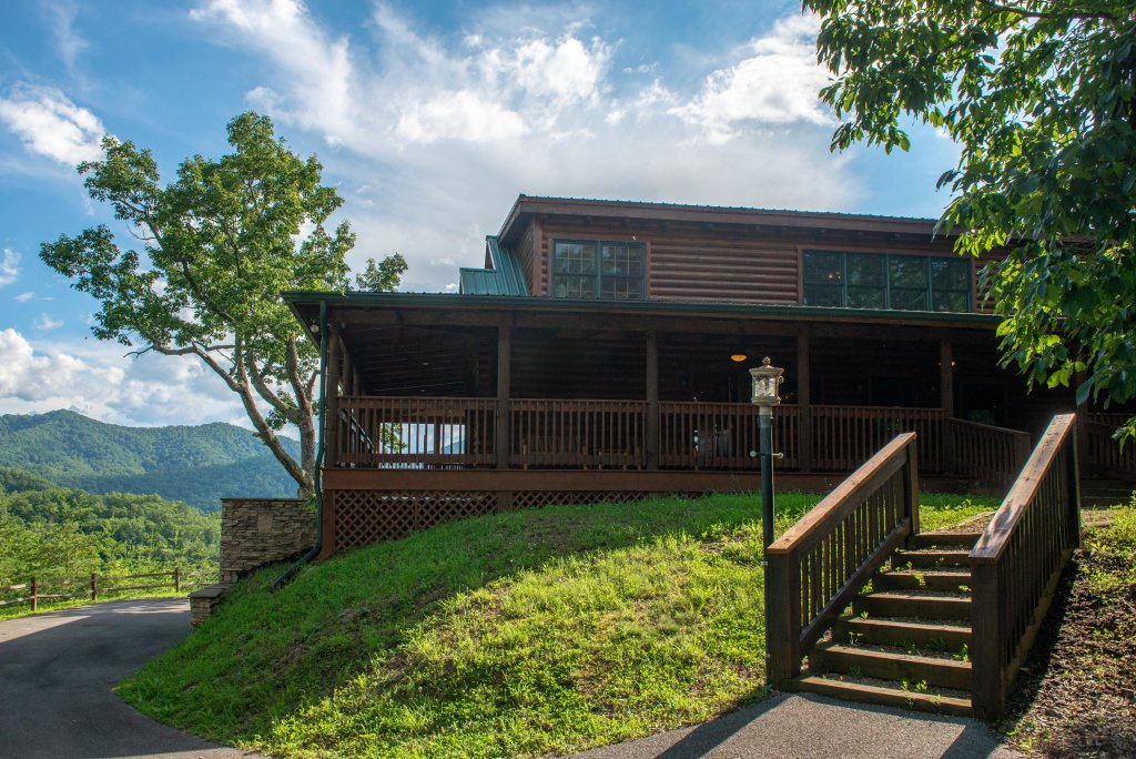 Photo of a Sevierville Cabin named  Mountain Top Mansion - This is the thirteenth photo in the set.