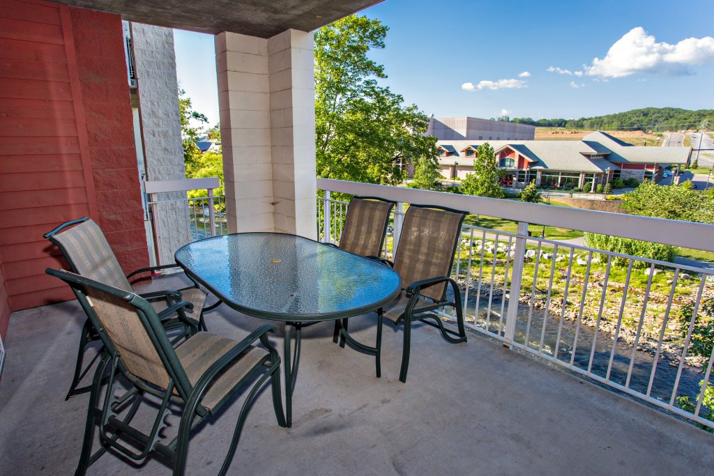 Photo of a Pigeon Forge Condo named Bear Crossing 202 - This is the fourteenth photo in the set.