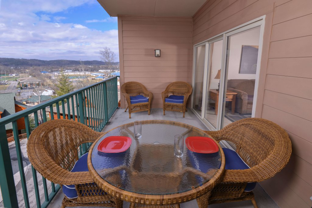 Photo of a Pigeon Forge Condo named 3002 Big Bear Resort - This is the third photo in the set.