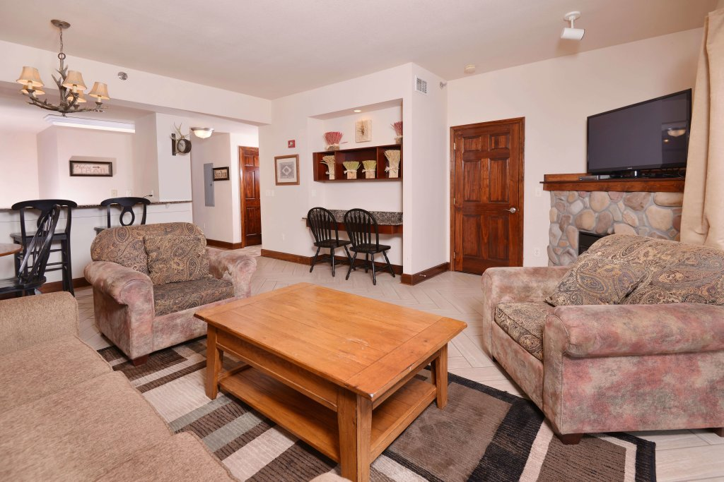 Photo of a Pigeon Forge Condo named 3002 Big Bear Resort - This is the thirty-second photo in the set.