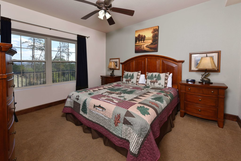 Photo of a Pigeon Forge Condo named 3004 Big Bear Resort - This is the forty-first photo in the set.