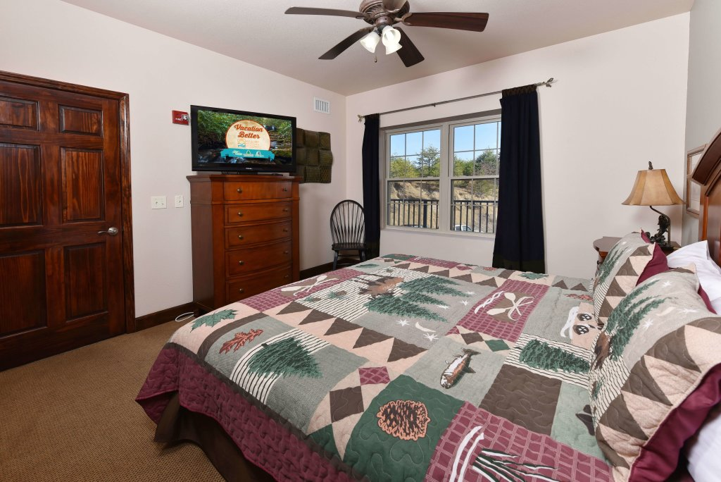 Photo of a Pigeon Forge Condo named 3004 Big Bear Resort - This is the forty-second photo in the set.