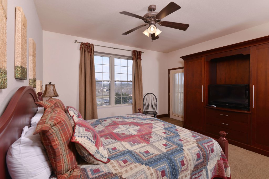 Photo of a Pigeon Forge Condo named 3002 Big Bear Resort - This is the fortieth photo in the set.