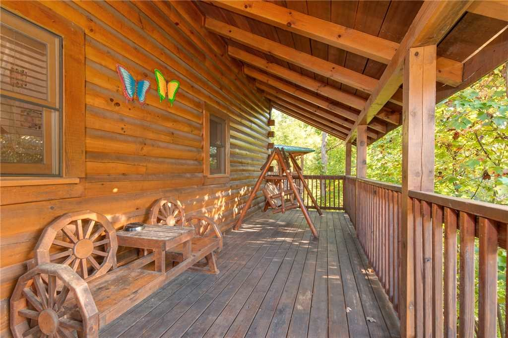 Photo of a Gatlinburg Cabin named Mountain Dreams - This is the third photo in the set.
