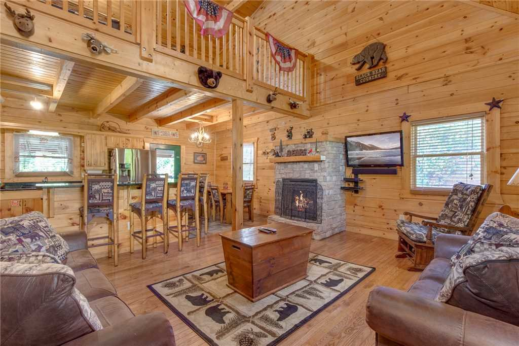 Photo of a Gatlinburg Cabin named Mountain Dreams - This is the fourth photo in the set.