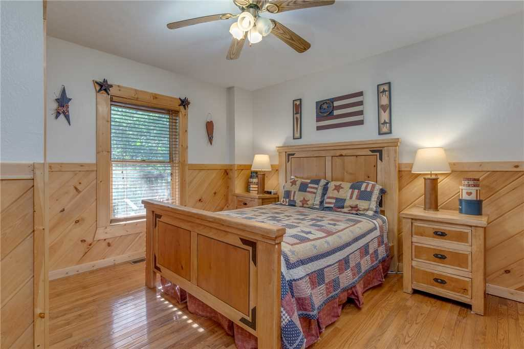 Photo of a Gatlinburg Cabin named Mountain Dreams - This is the twentieth photo in the set.