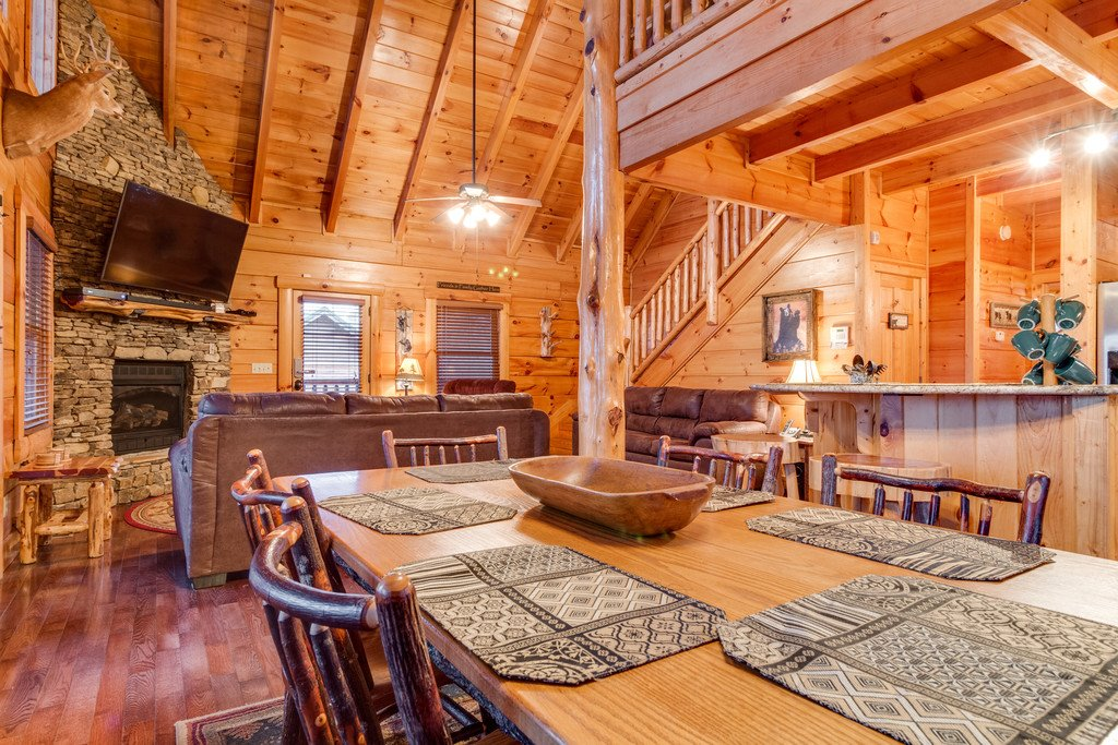 Photo of a Pigeon Forge Cabin named Bear Tracks - This is the seventh photo in the set.