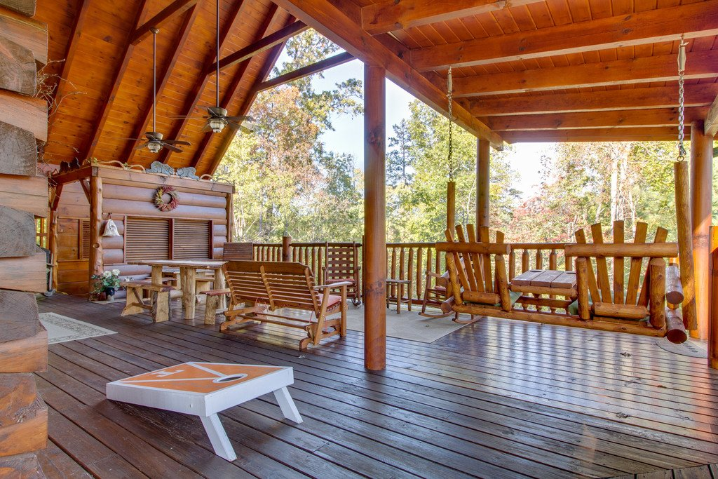 Photo of a Pigeon Forge Cabin named Bear Tracks - This is the sixteenth photo in the set.