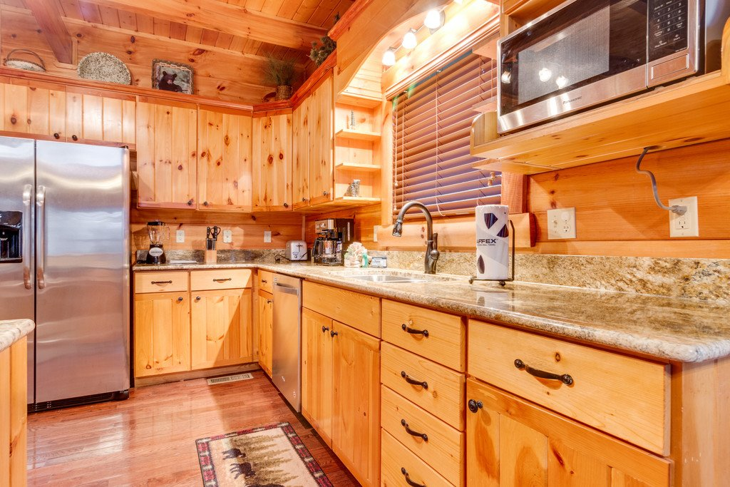 Photo of a Pigeon Forge Cabin named Bear Tracks - This is the twentieth photo in the set.