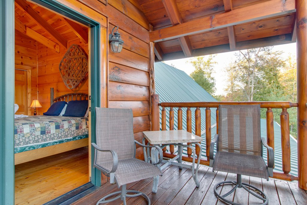 Photo of a Pigeon Forge Cabin named Bear Tracks - This is the thirty-ninth photo in the set.
