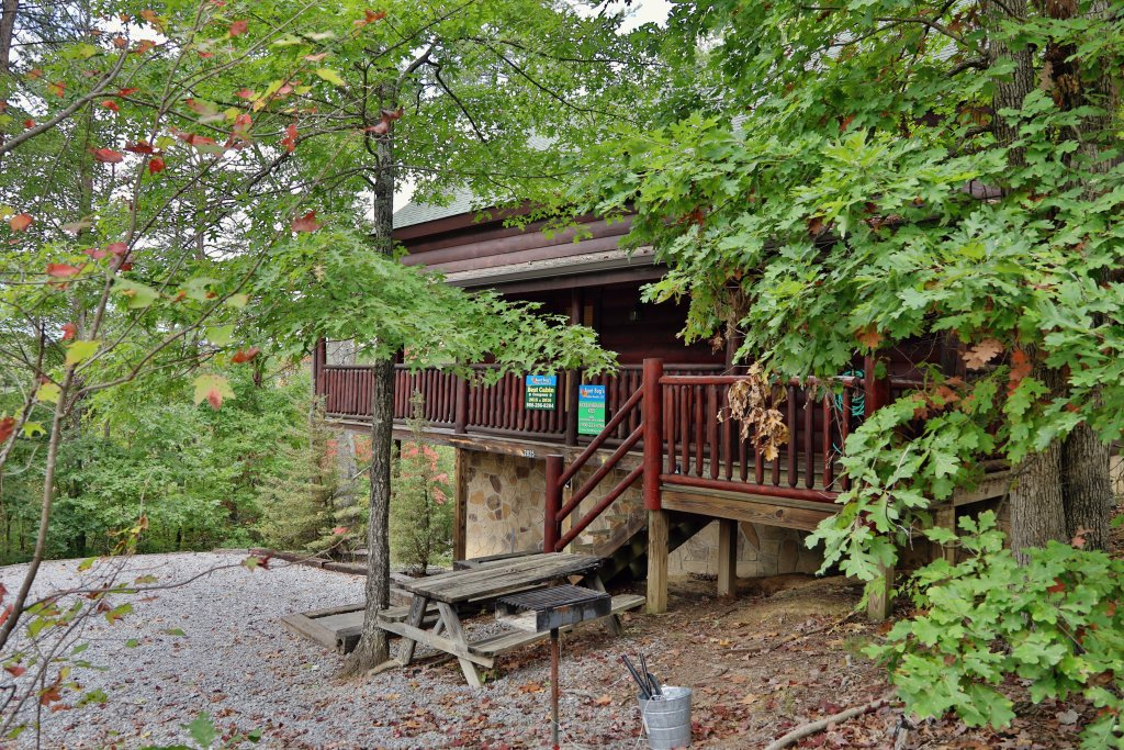 Photo of a Pigeon Forge Cabin named Black Bear Hibernation #2825 - This is the twenty-first photo in the set.