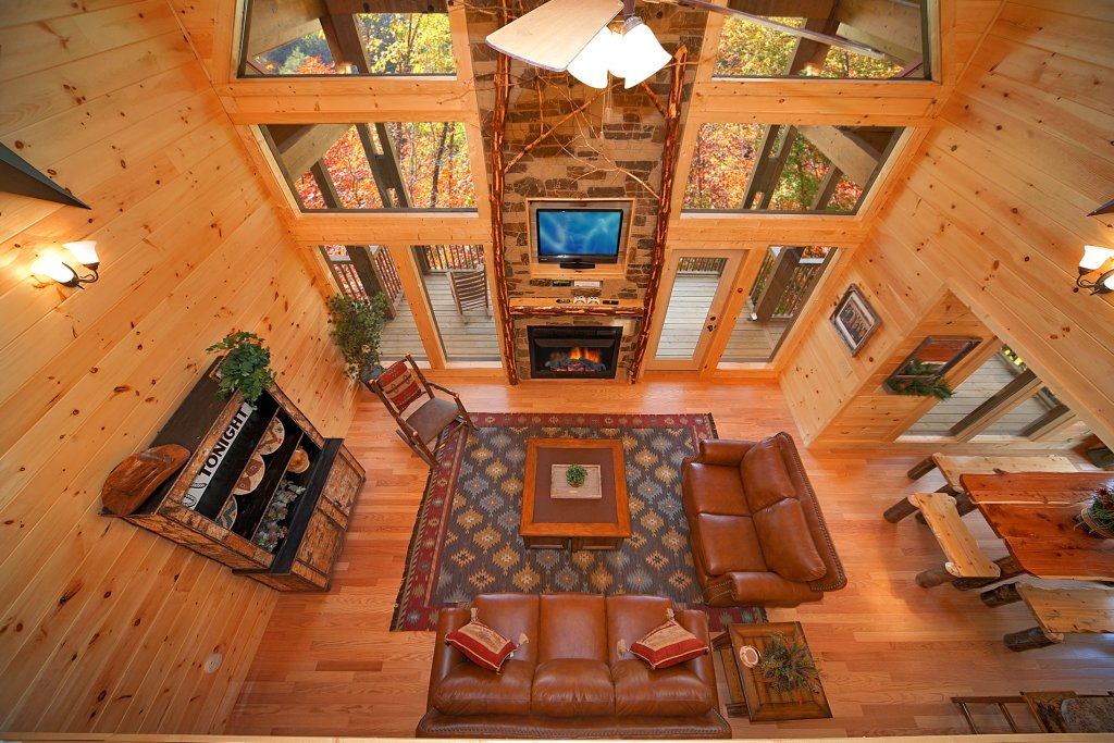 Photo of a Gatlinburg Cabin named Firefly Lodge - This is the seventh photo in the set.