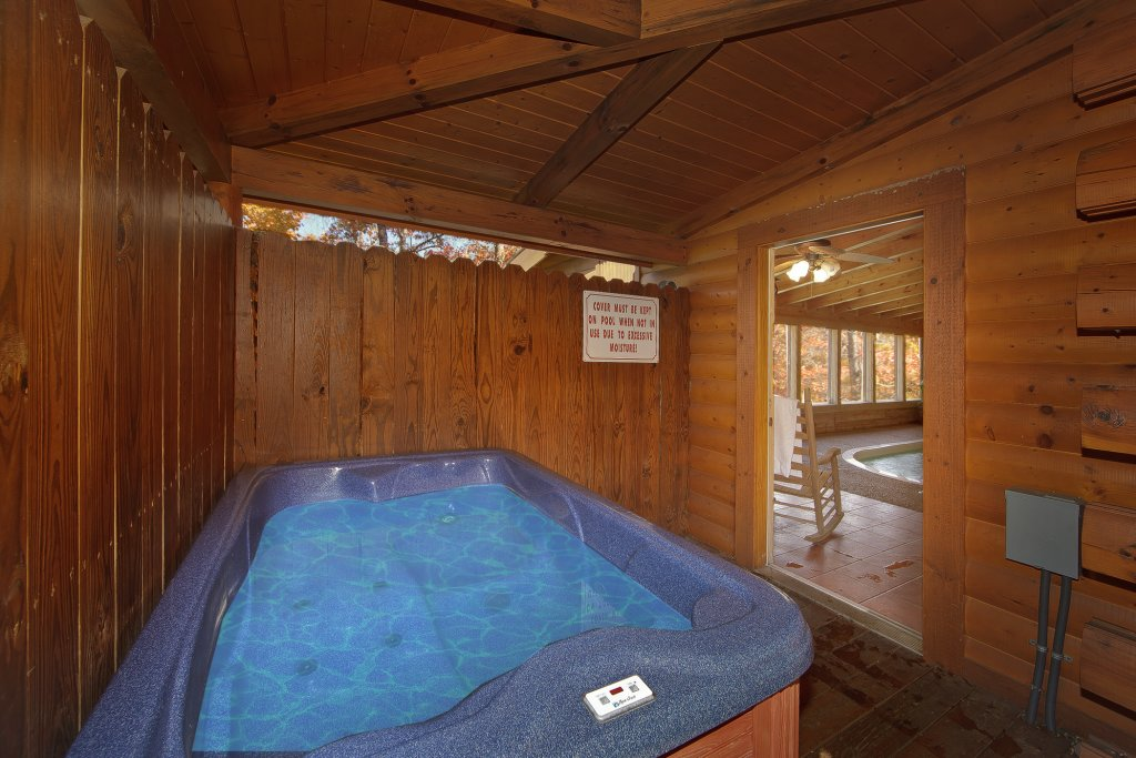 Photo of a Pigeon Forge Cabin named Gone Swimmin' #260 - This is the thirty-third photo in the set.