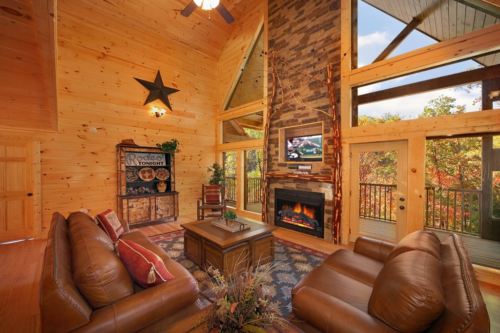 Photo of a Gatlinburg Cabin named Firefly Lodge - This is the eighth photo in the set.