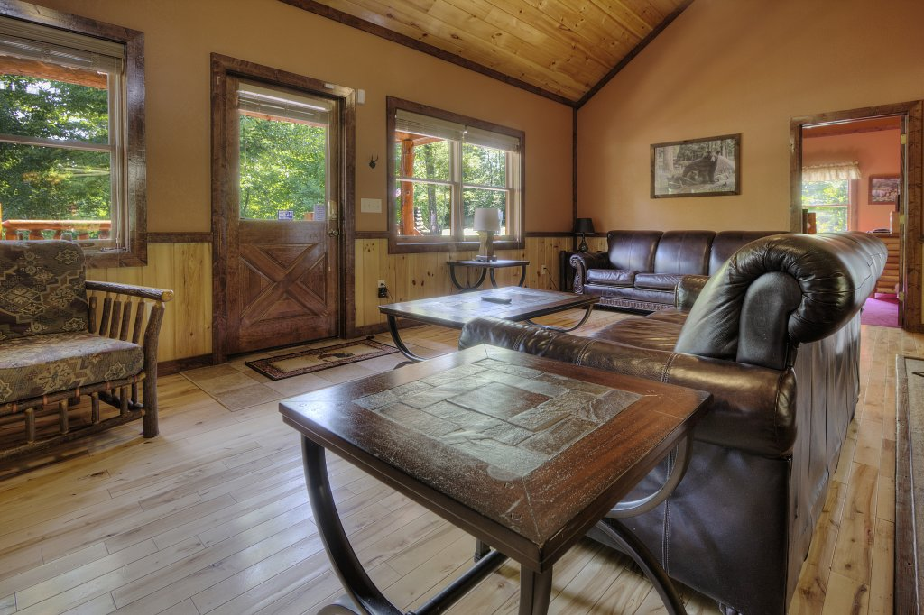 Photo of a Gatlinburg Cabin named Majestic Waters #575 - This is the fifteenth photo in the set.