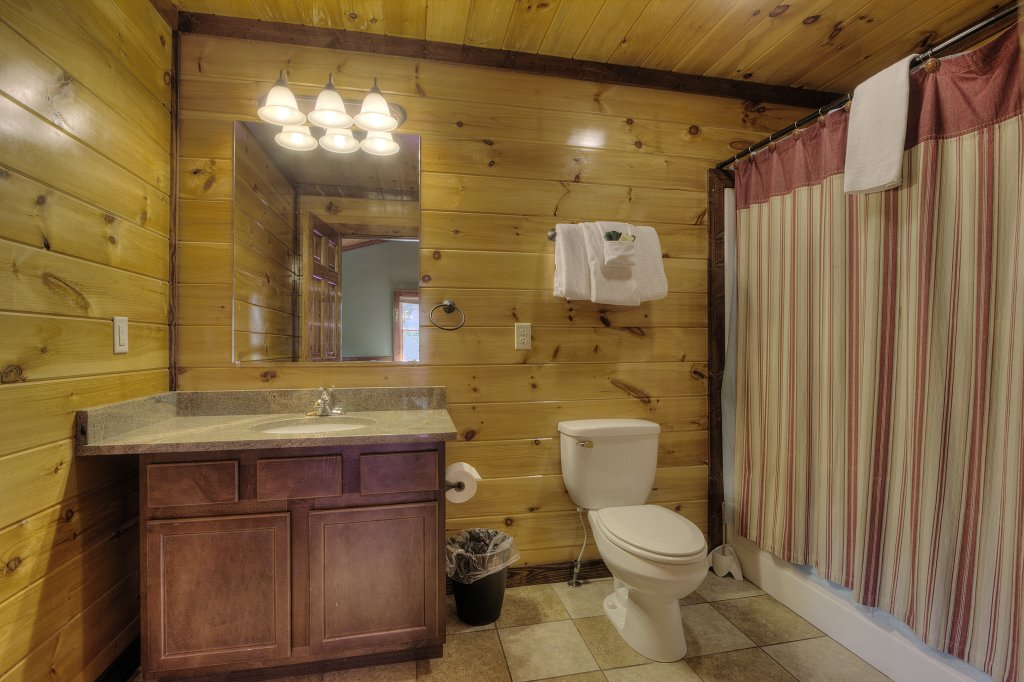 Photo of a Gatlinburg Cabin named Majestic Waters #575 - This is the thirty-sixth photo in the set.