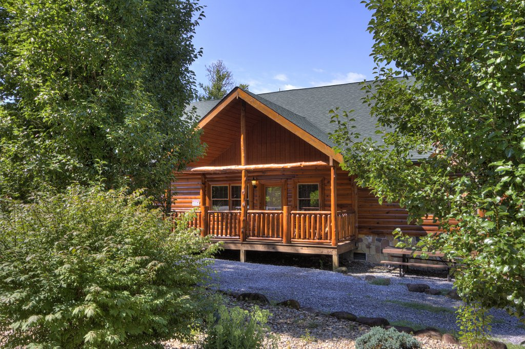 Photo of a Gatlinburg Cabin named Majestic Waters #575 - This is the forty-seventh photo in the set.