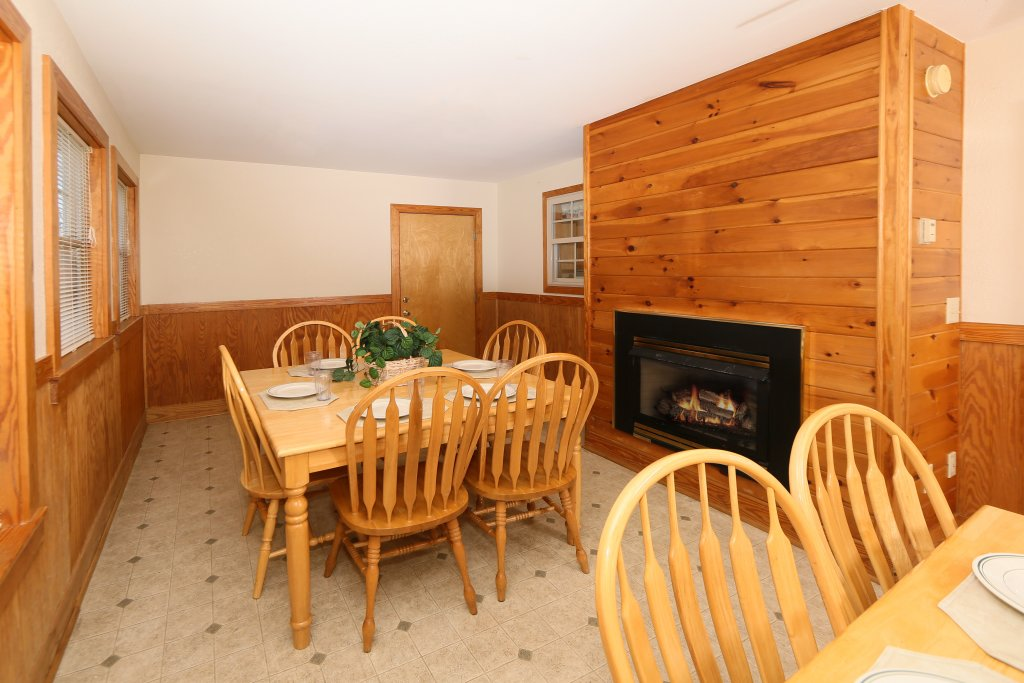 Photo of a Pigeon Forge Cabin named Magnolia Place Unit 2 (#5) - This is the thirty-fourth photo in the set.