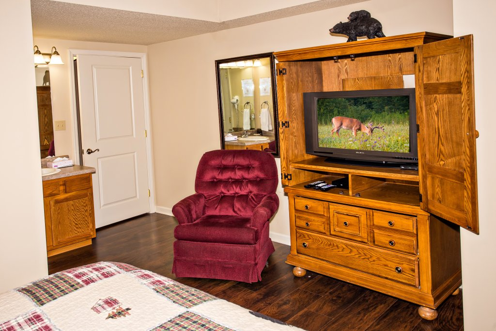 Photo of a Pigeon Forge Condo named Cedar Lodge 202 - This is the thirty-first photo in the set.