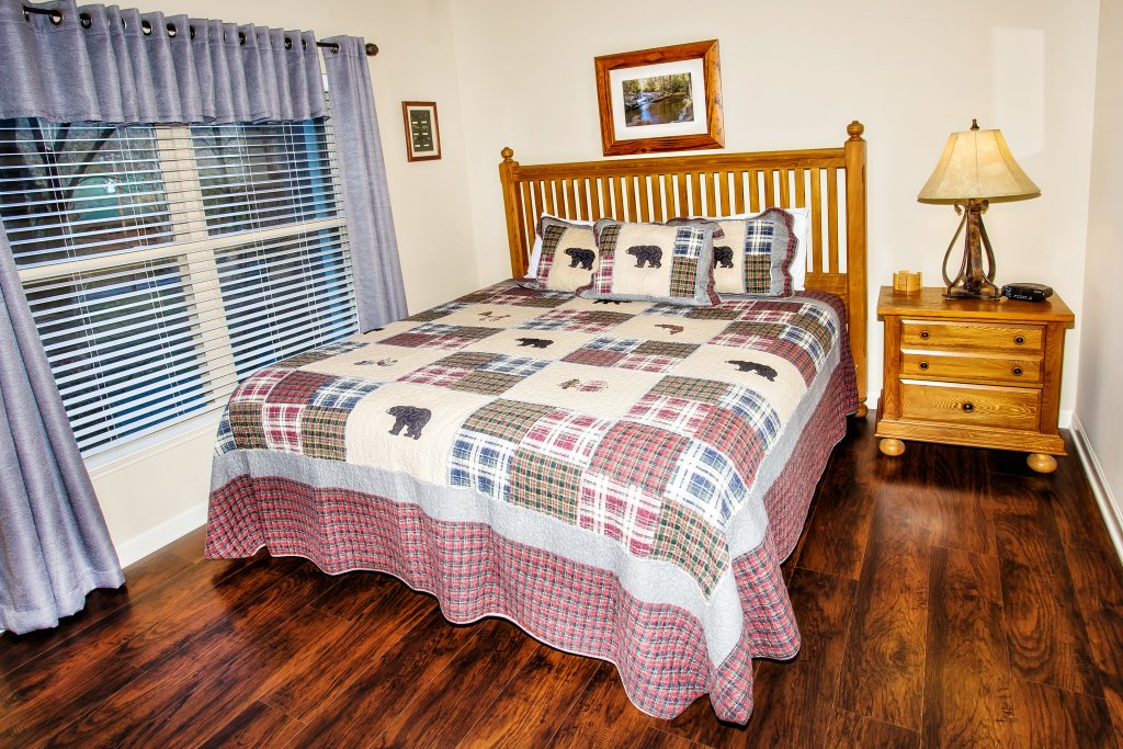 Photo of a Pigeon Forge Condo named Cedar Lodge 202 - This is the thirtieth photo in the set.