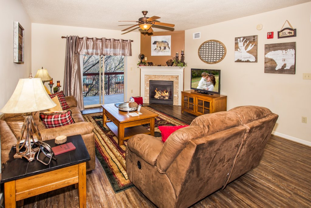 Photo of a Pigeon Forge Condo named Cedar Lodge 403 - This is the twenty-sixth photo in the set.