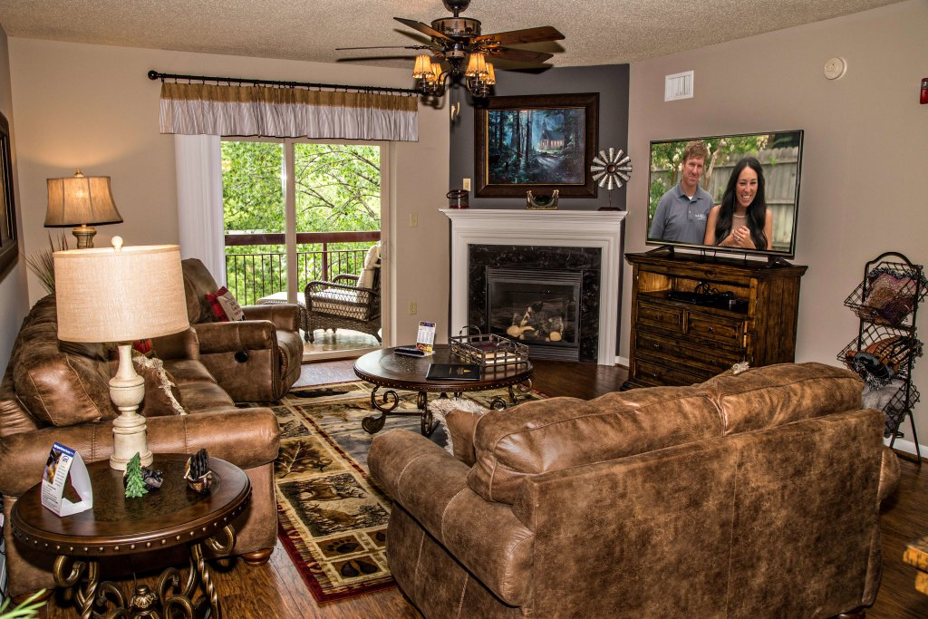 Photo of a Pigeon Forge Condo named Cedar Lodge 402 - This is the first photo in the set.