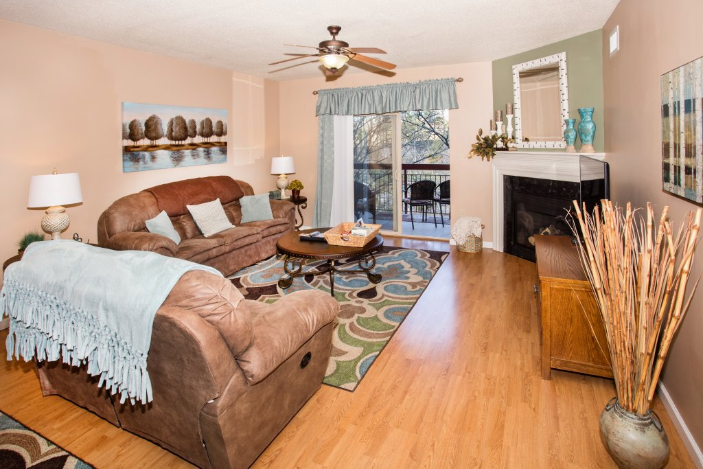 Photo of a Pigeon Forge Condo named Cedar Lodge 404 - This is the first photo in the set.