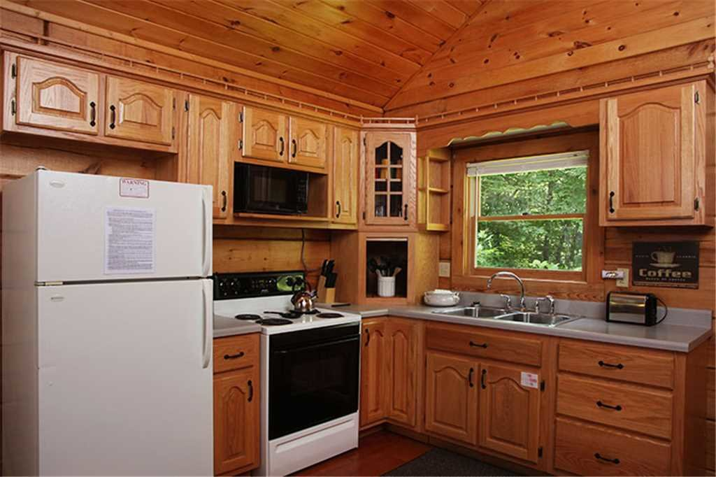 Photo of a Gatlinburg Cabin named Nature's Hideaway - This is the sixth photo in the set.