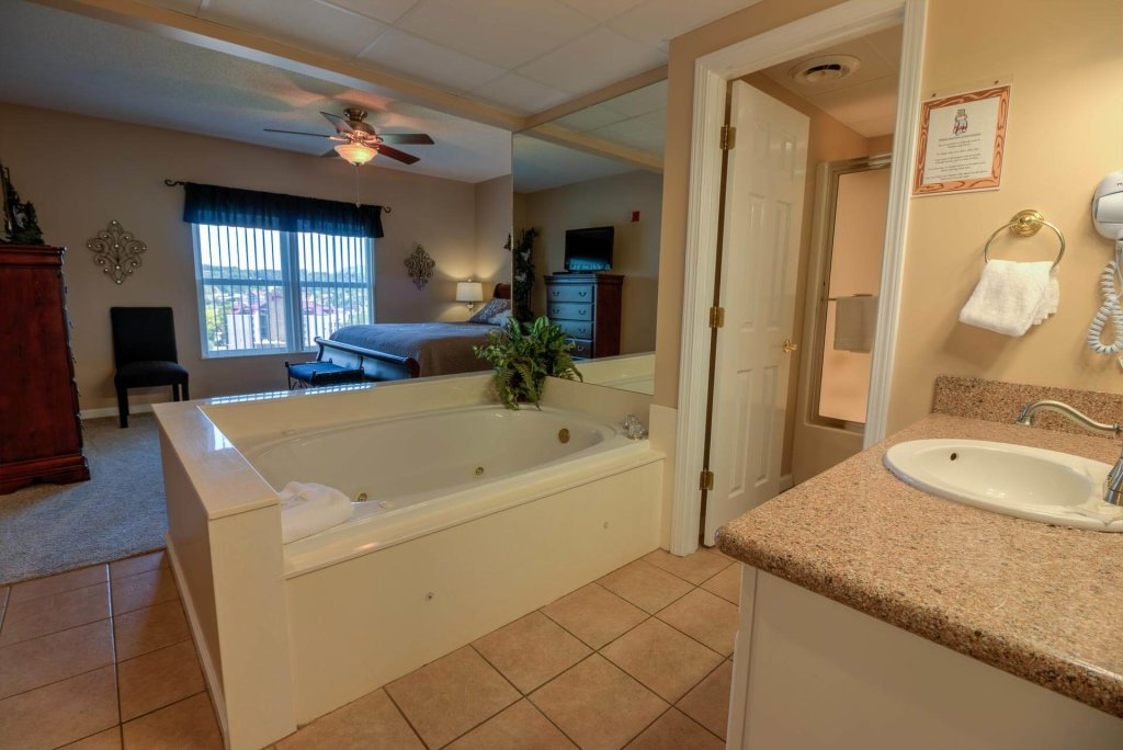 Photo of a Pigeon Forge Condo named Whispering Pines 213 - This is the forty-third photo in the set.