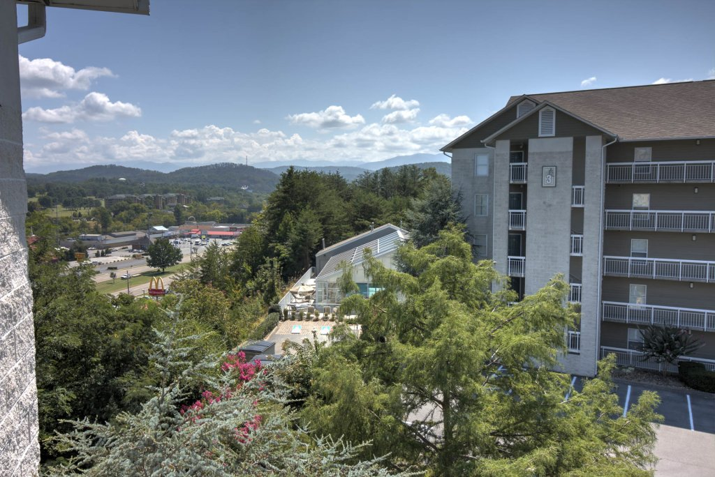 Photo of a Pigeon Forge Condo named Whispering Pines 412 - This is the fifth photo in the set.