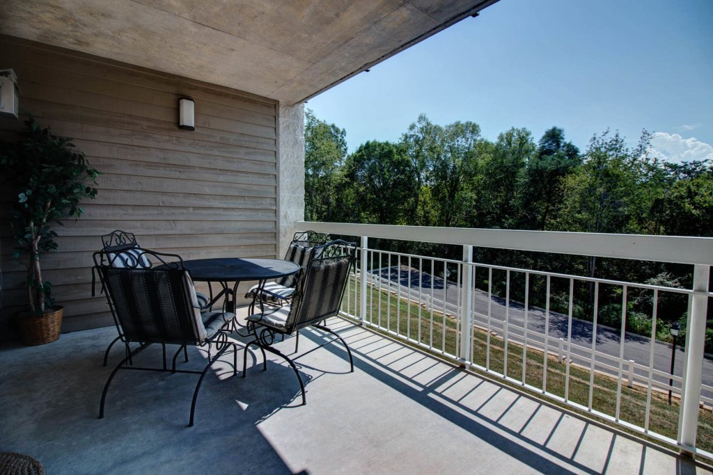 Photo of a Pigeon Forge Condo named Whispering Pines 423 - This is the fourteenth photo in the set.
