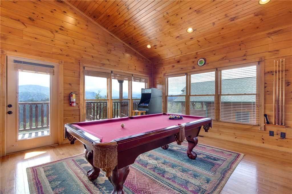 Photo of a Gatlinburg Cabin named Million Dollar View - This is the tenth photo in the set.