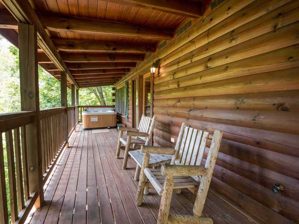 Photo of a Gatlinburg Cabin named Running Bear - This is the fifth photo in the set.