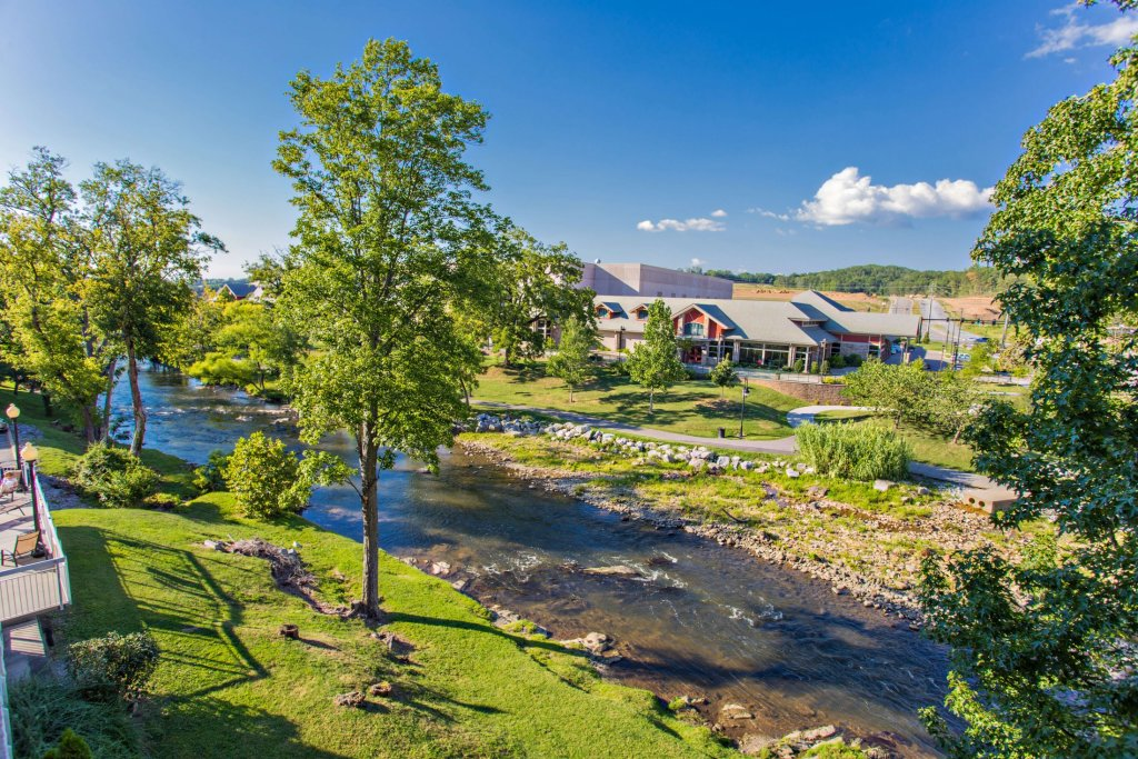 Photo of a Pigeon Forge Condo named Bear Crossing 102 - This is the thirtieth photo in the set.