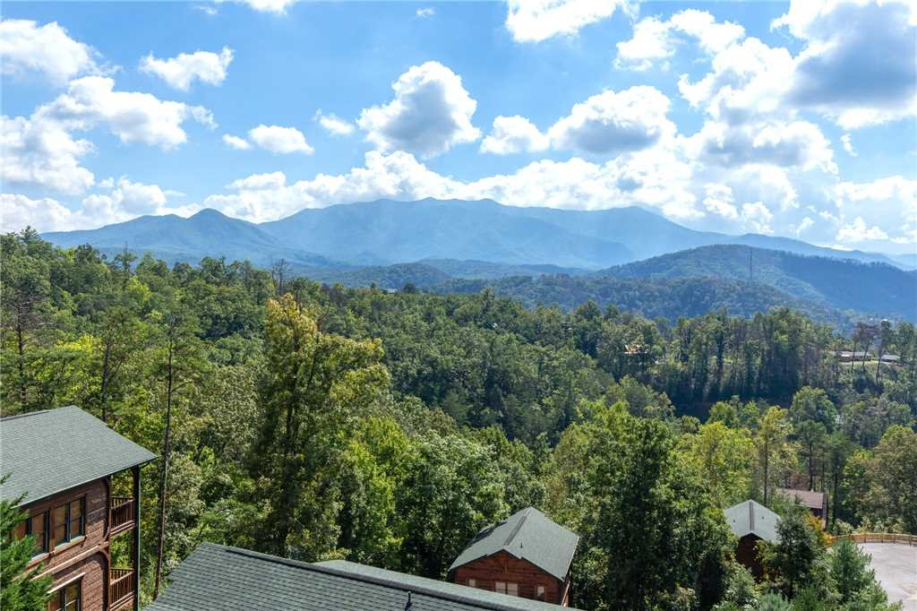 Photo of a Gatlinburg Cabin named Million Dollar View - This is the thirtieth photo in the set.