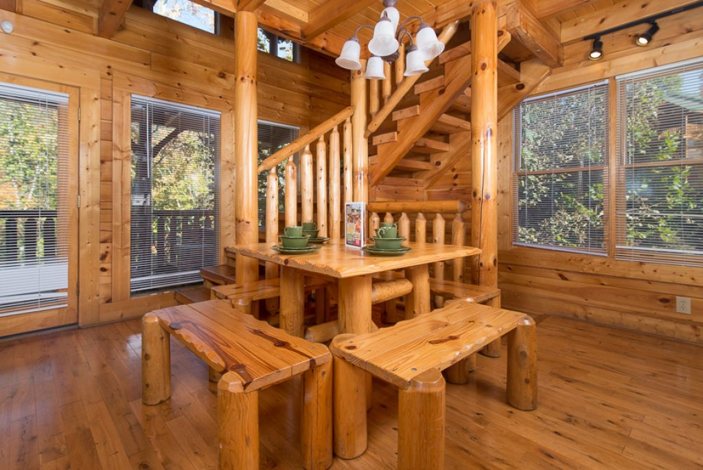 Photo of a Pigeon Forge Cabin named Second Nature - This is the fourth photo in the set.