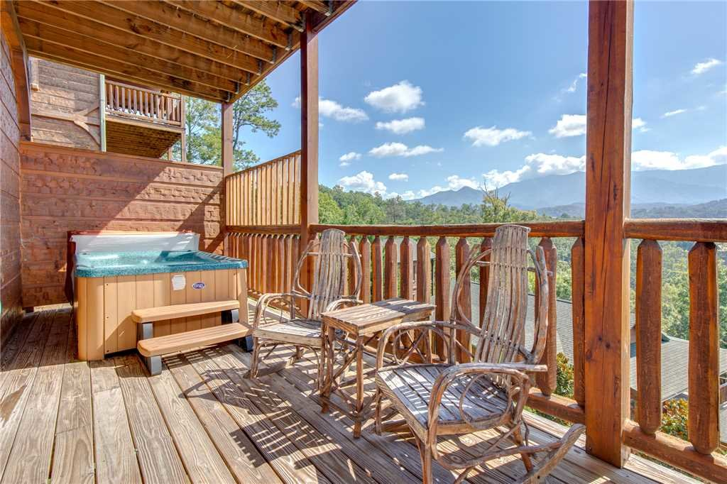 Photo of a Gatlinburg Cabin named Million Dollar View - This is the twenty-third photo in the set.