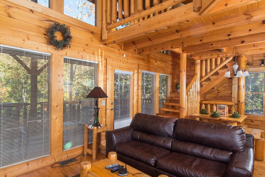 Photo of a Pigeon Forge Cabin named Second Nature - This is the third photo in the set.