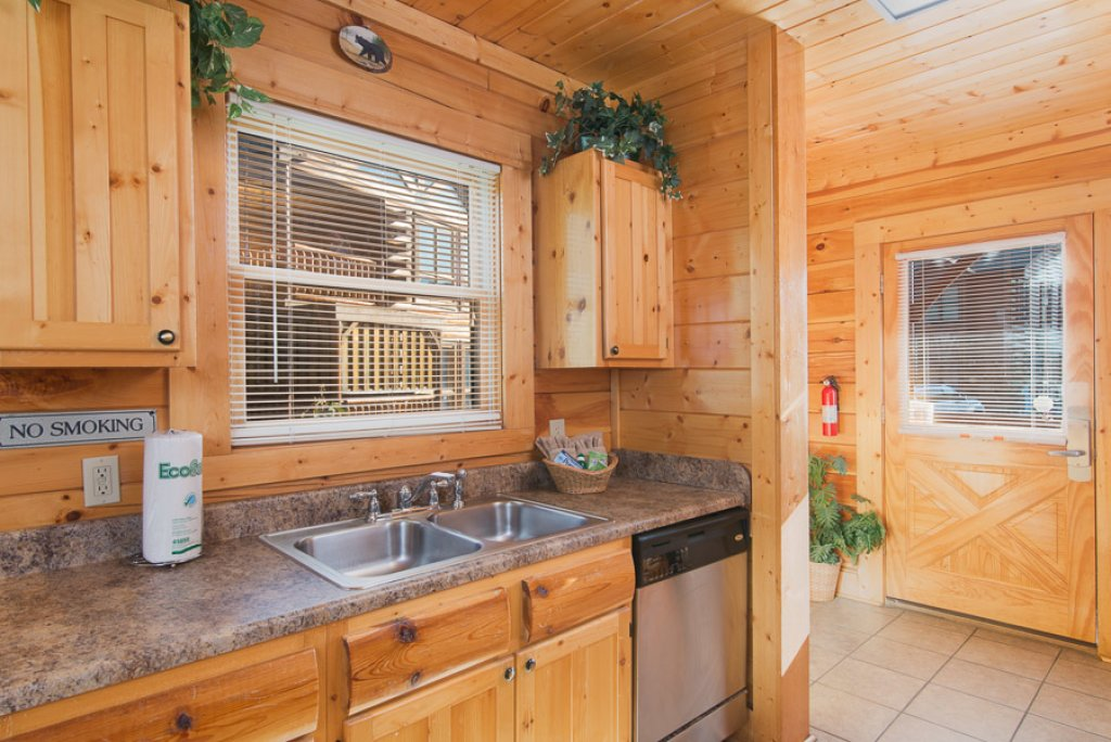 Photo of a Pigeon Forge Cabin named Second Nature - This is the sixth photo in the set.