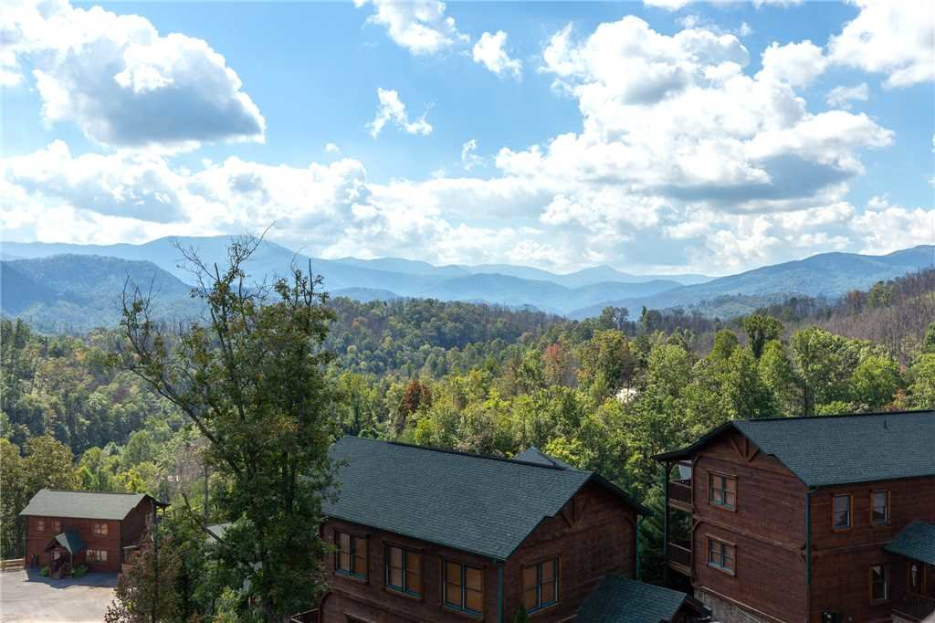 Photo of a Gatlinburg Cabin named Million Dollar View - This is the thirty-first photo in the set.