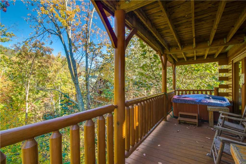 Photo of a Pigeon Forge Cabin named Second Nature - This is the twenty-third photo in the set.