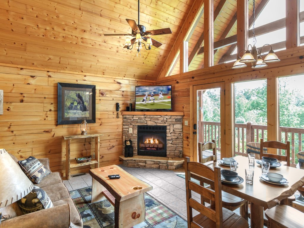 Photo of a Gatlinburg Cabin named Saddle Ridge - This is the sixth photo in the set.